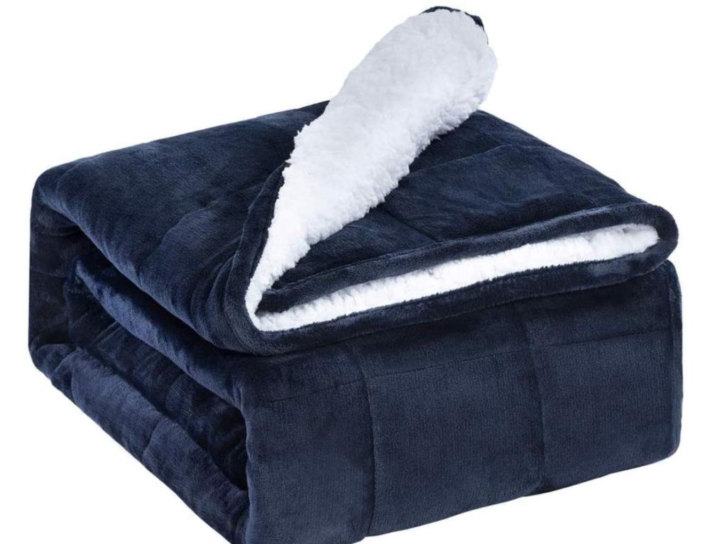 重い毛布で睡眠の質が良くなった?!